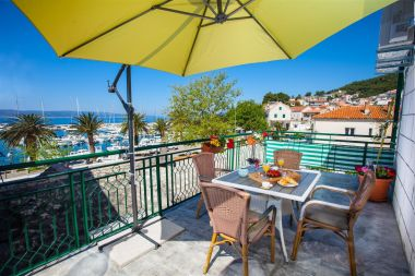 Apartmanok Rilka - 20m from the sea: A1(4) Baska Voda - Riviera Makarska