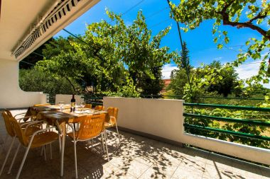 Apartmanok Zeli - great location: A1(4+4) Brela - Riviera Makarska